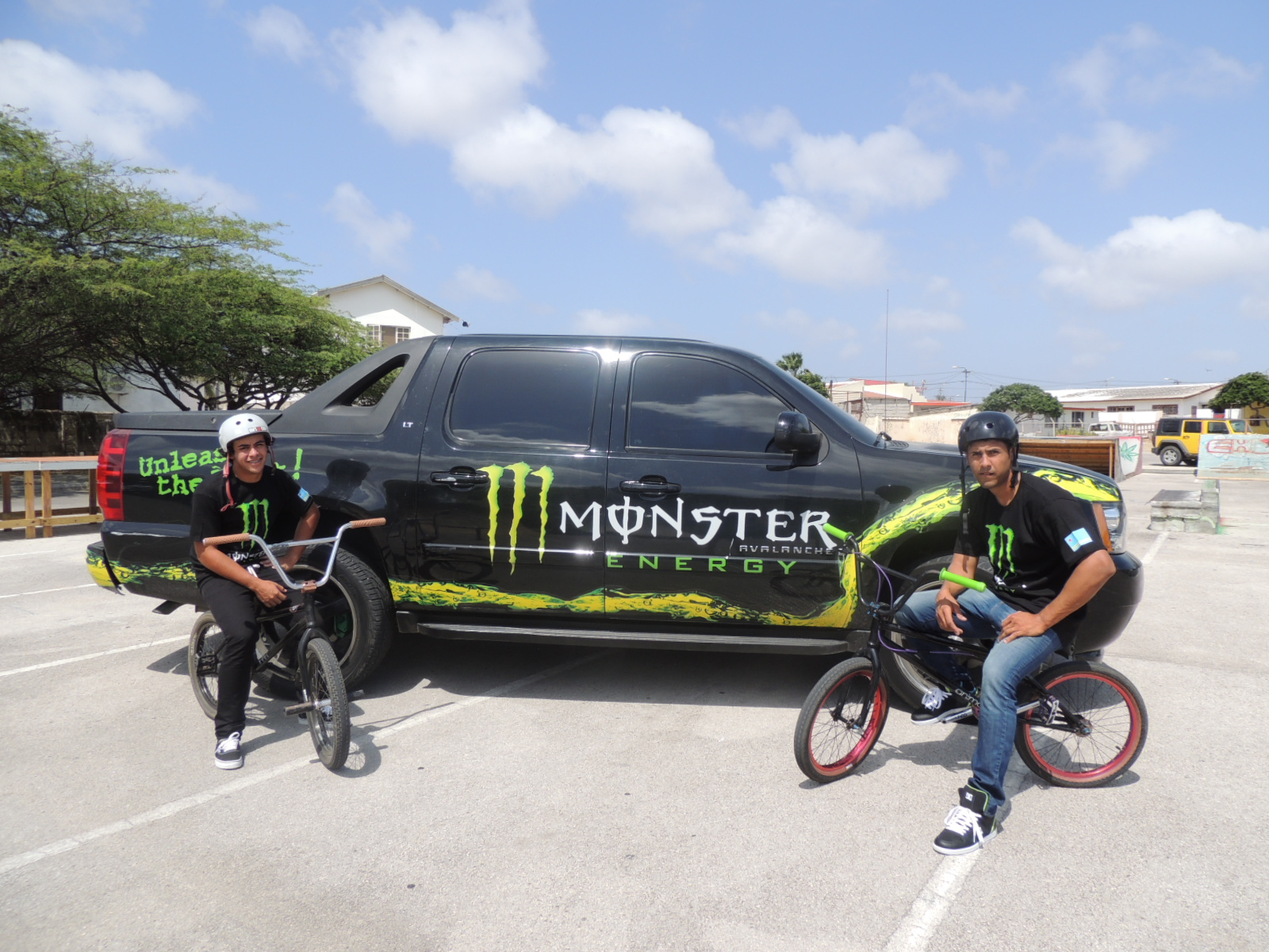 ATHLETANAN LOCAL DI MONSTER ENERGY TA REPRESENTA ARUBA DEN MONSTER ENERGY BMX FREESTYLE COMPETITION